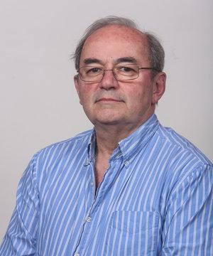 Dr. Eduardo Henderson